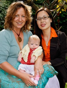 Delighted mum Anita Hunter with baby and Dr. Daian Zou